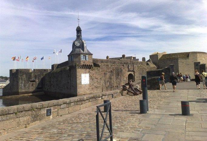 "CONCARNEAU also known as ""THE CITY CLOSE"""